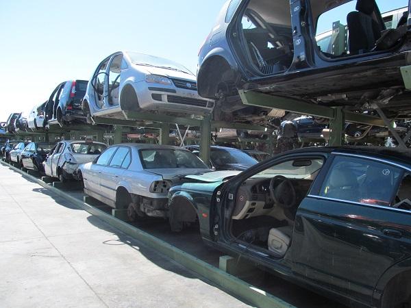 coches en el desguace