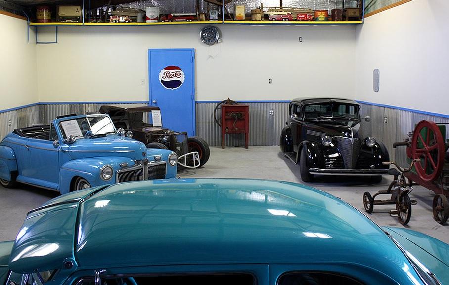 Taller de dwarf car museum