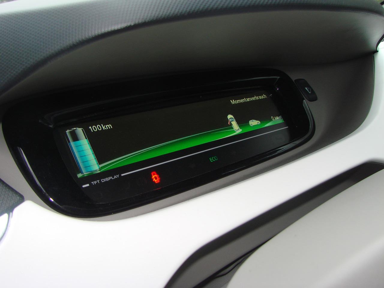 nivel de carga en un coche eléctrico