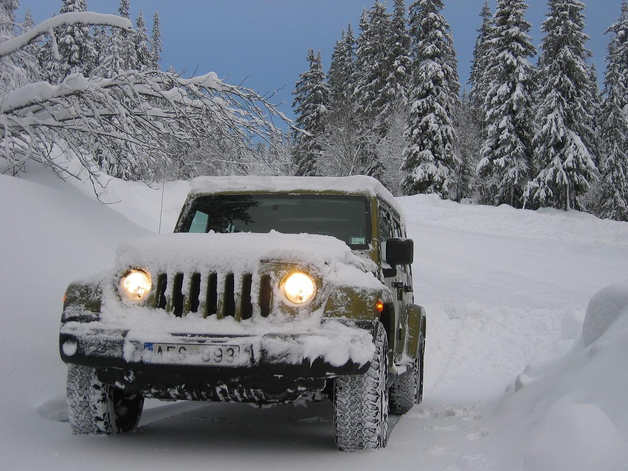Jeep en la nieve